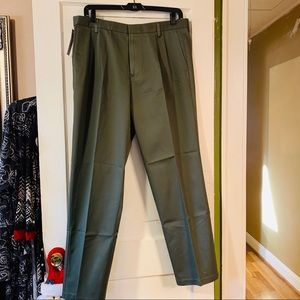 NWT Olive Green Dockers, iron free, flat front